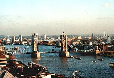 Tower Bridge.JPG (27589 Byte)